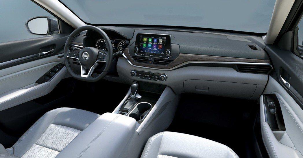 整體車室氛圍年輕化了許多。 摘自Nissan