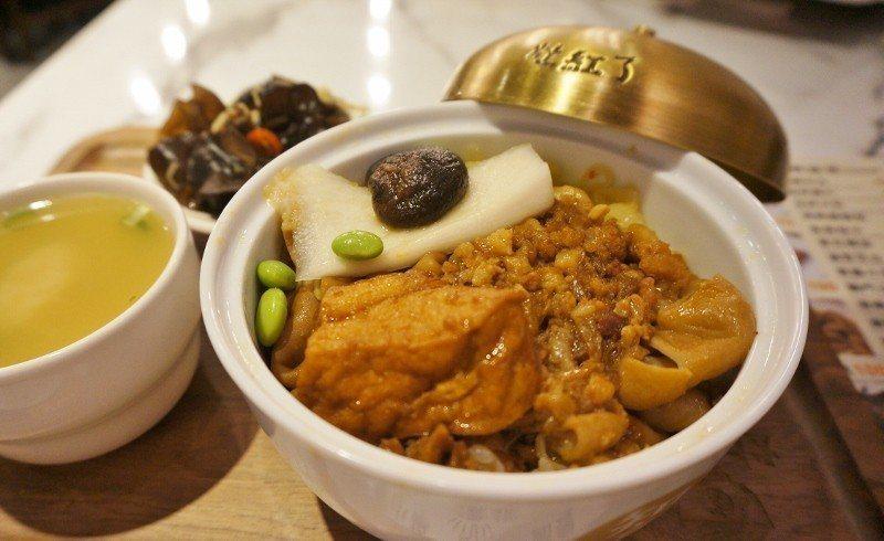 圖為莊玉華私心推薦的滷大腸飯,口味與口感俱佳。 徐谷楨/攝影