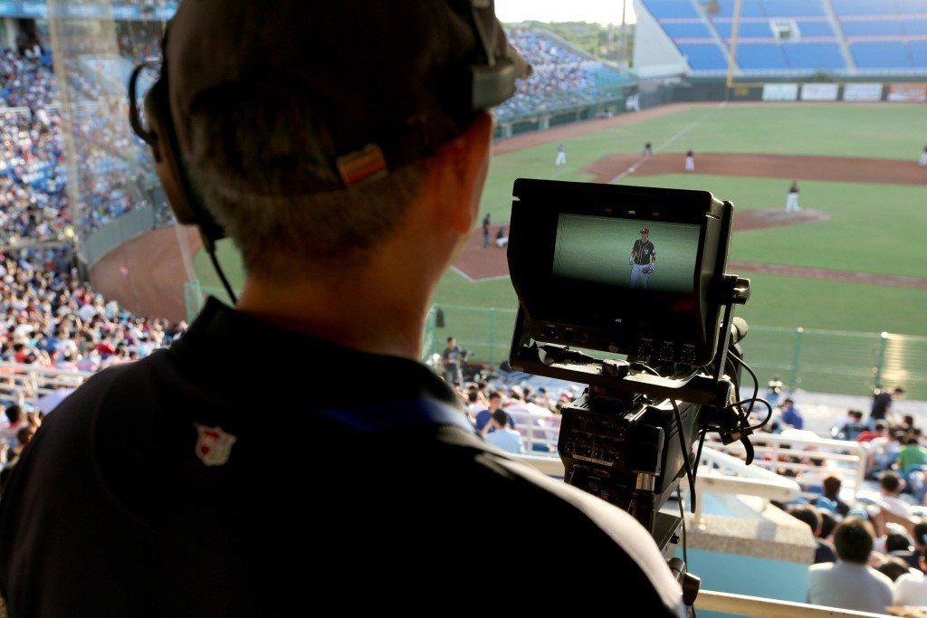 2014年一波收視經驗的轉換,告訴觀眾:在網路上看球的收視體驗,實際上不一定比看電視來得差。 圖/聯合報系資料照