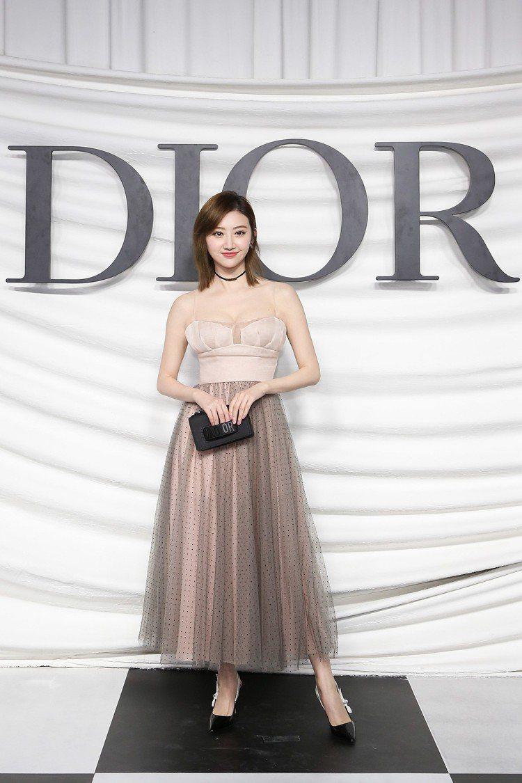 女星景甜出席上海的迪奧高級訂製服大秀。圖/迪奧提供