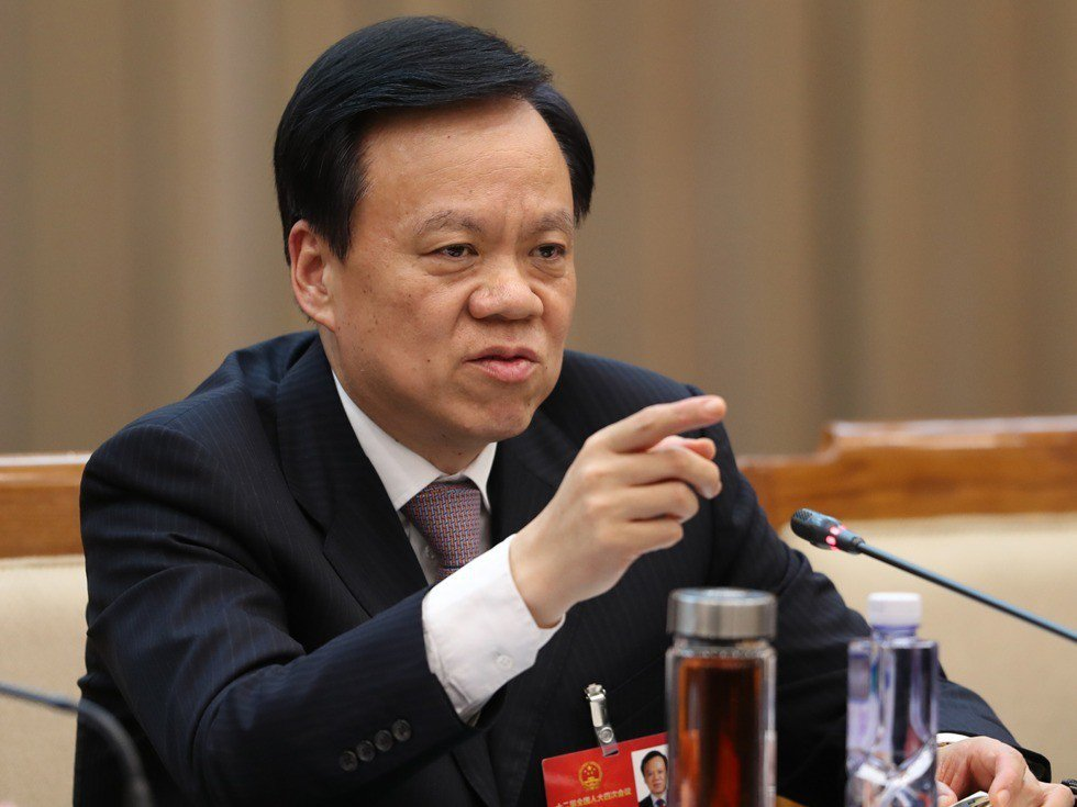 重慶市委書記陳敏爾今在「人民日報」投書聲稱「要用滾石上山的勁頭」全面肅清孫政才惡...