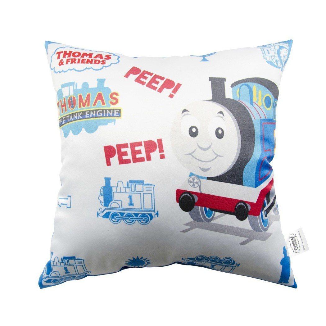 OK超商推出湯瑪士小火車抱枕集點加購活動。圖/OK超商提供