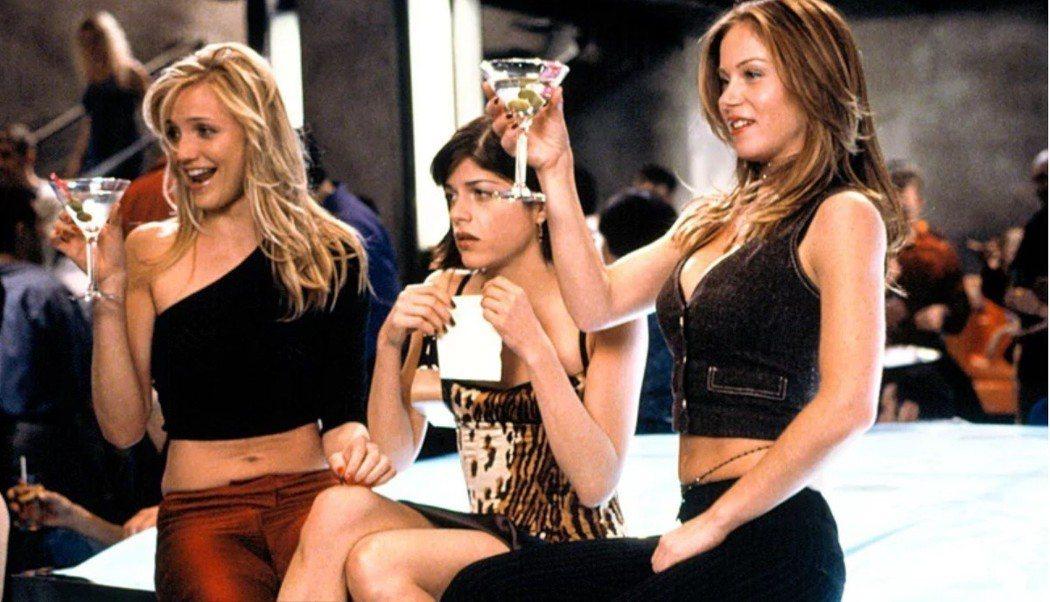卡麥蓉狄亞茲(左起)和「甜姐不辣」賽瑪布萊爾、克莉絲汀娜艾柏格最近又再重逢。圖/...