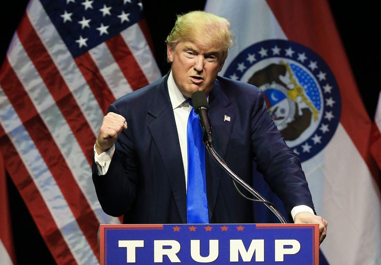 美國總統川普以關稅重砲轟擊中國等貿易大國。(圖/美聯社)