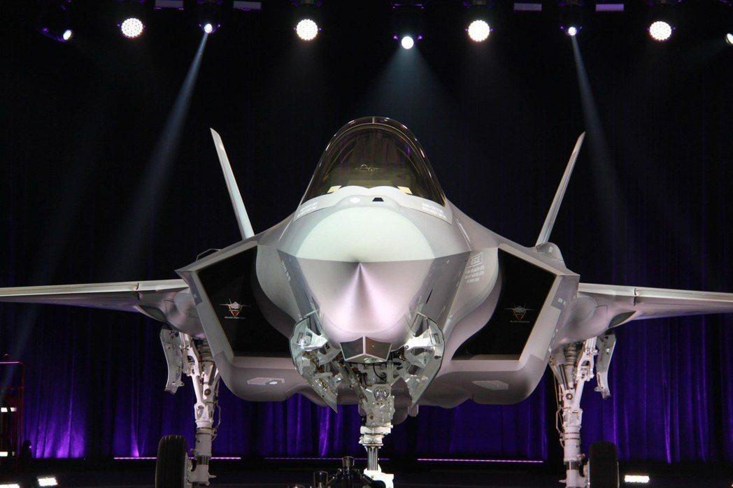 洛馬交付南韓的首架F-35A戰機。 歐新社