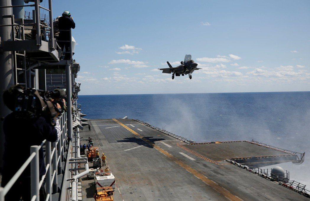 台灣希望採購具垂直起降功能的F-35B戰機。 路透