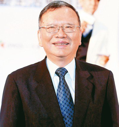 中華電董事長鄭優