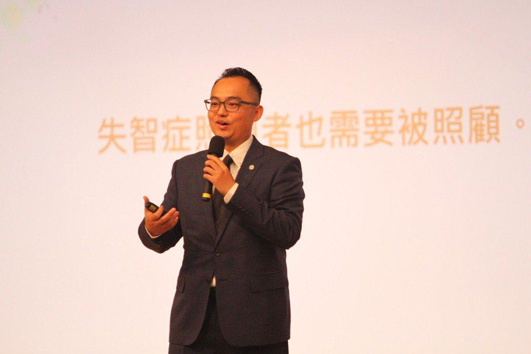台灣受恩總經理劉庭軒希望藉由數位社群工具能有效接觸年輕族群,讓更多有志青年加入失...