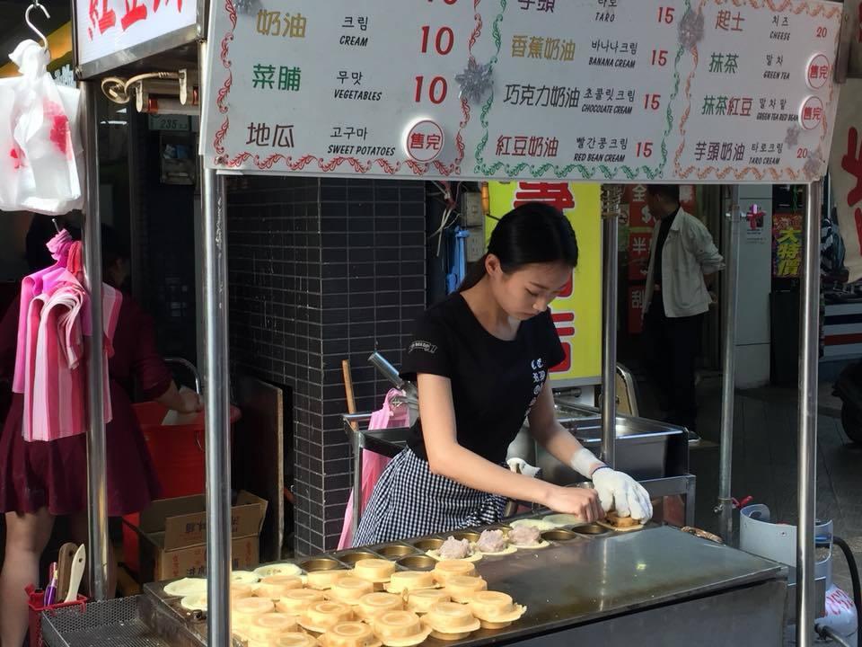 應網友要求拍到車輪餅正妹 童仲彥:選民服務做到底