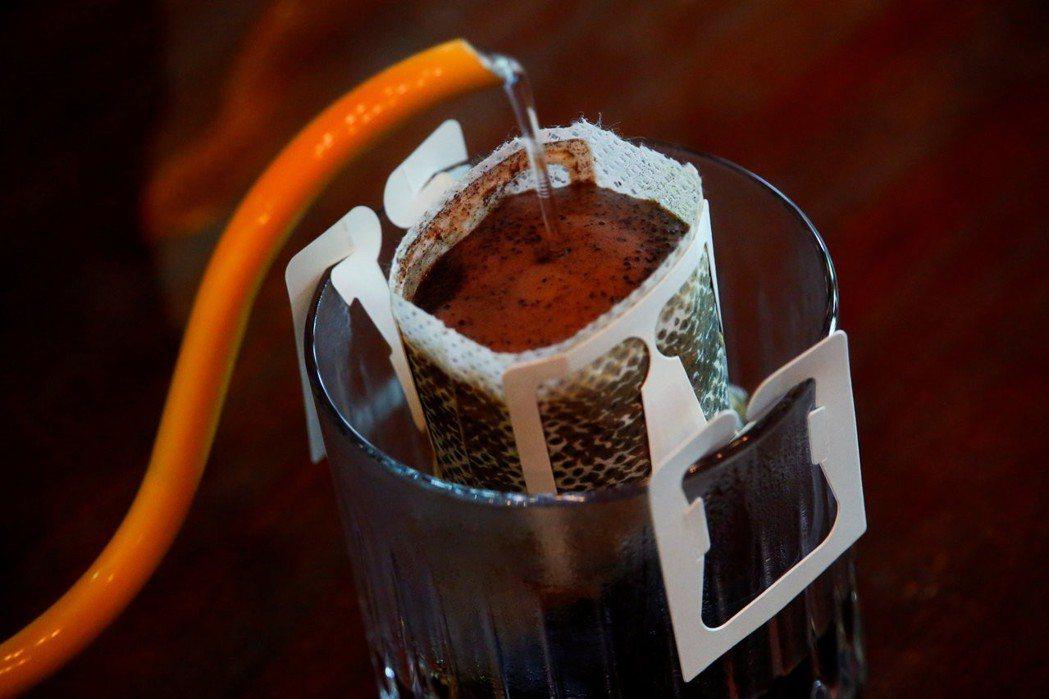 咖啡濾掛包有這麼毒嗎?溼強劑是什麼東西? 圖/路透社