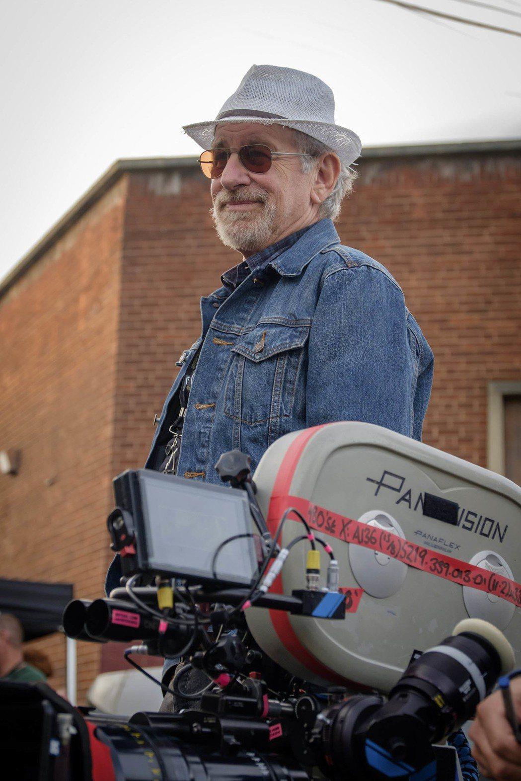 史蒂芬史匹柏執導「一級玩家」,視覺效果驚人。圖/華納兄弟提供