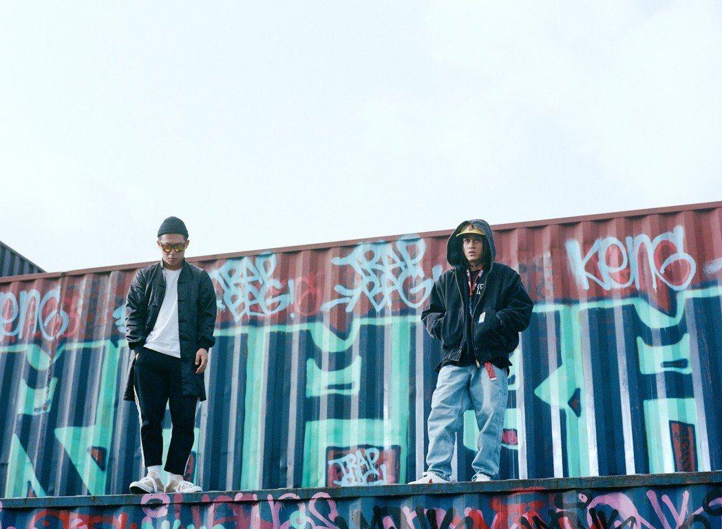 嘻哈歌手BCW(右)新歌和玖壹壹的健志合作。圖/混血兒娛樂提供
