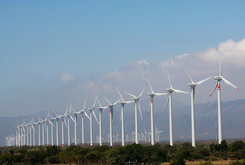 英國2017年經由風力和太陽能發電所產生的電力,比國內八座核能電廠還要多,是歷來...