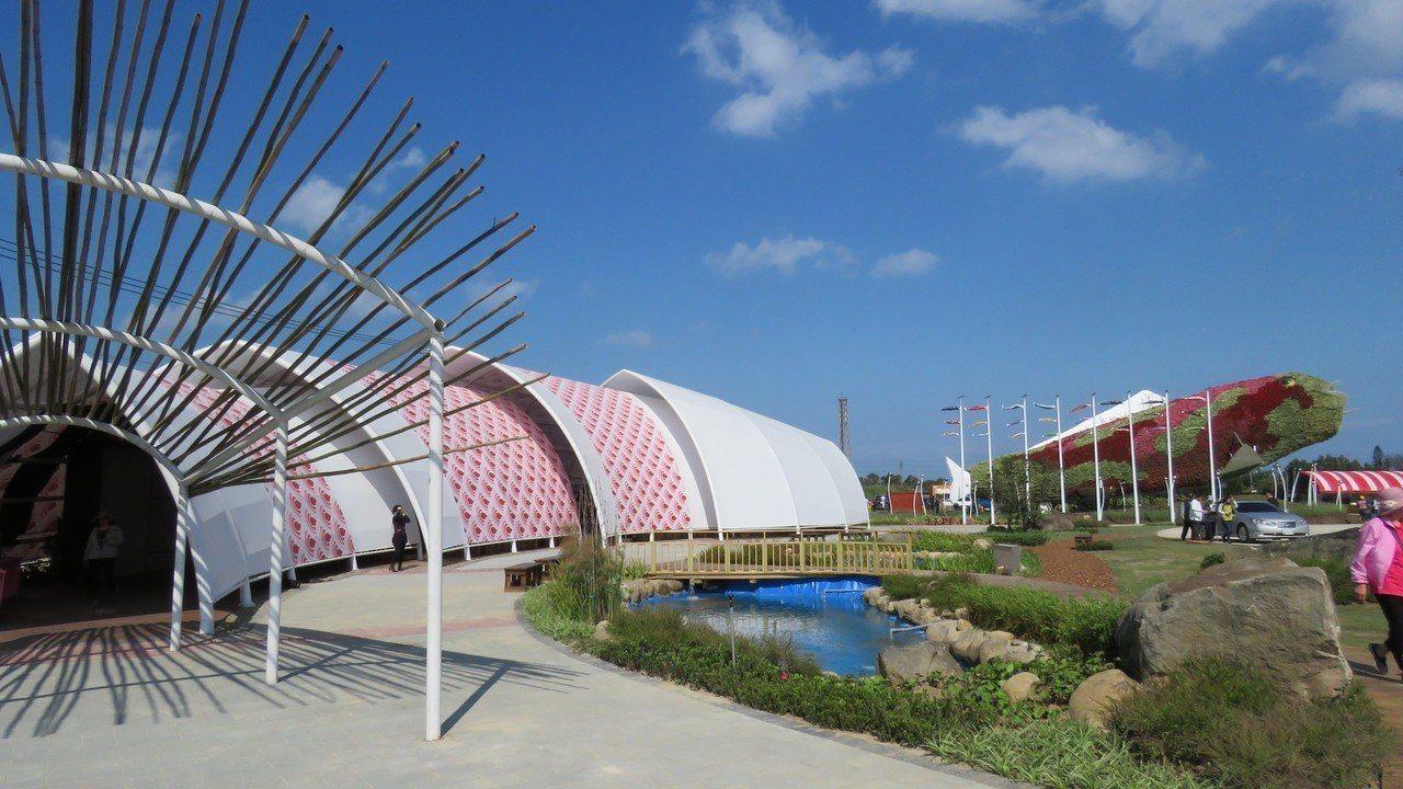 桃園農業博覽會新屋基地展場布置陸績完成,圖為錦鯉館。記者張弘昌/攝影