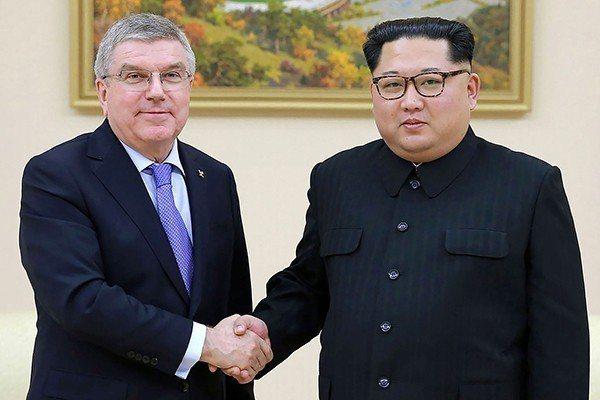 國際奧會主席巴赫與北韓最高領導人金正恩在平壤會面。視覺中國圖