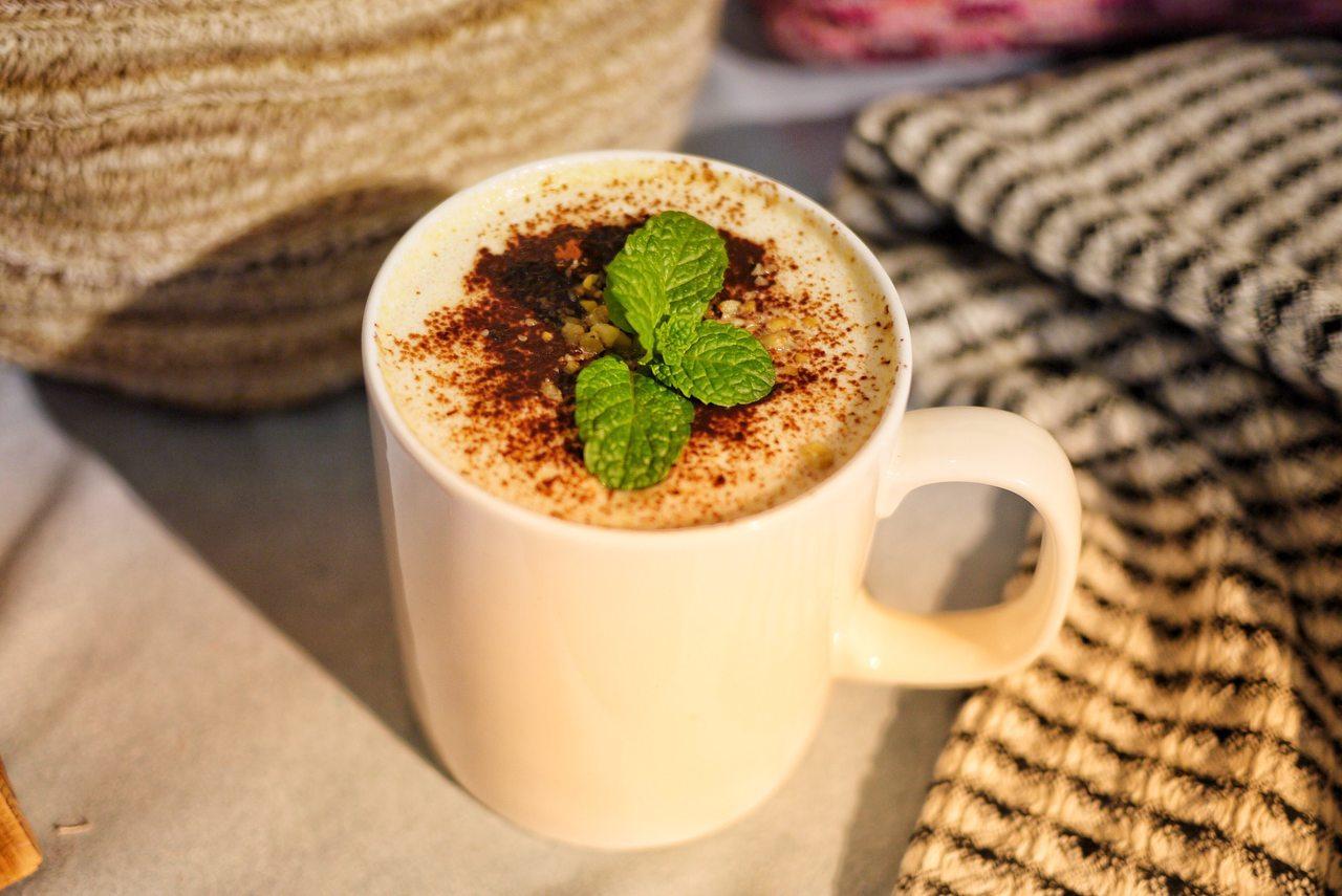 5 SENS微金風格甜謐下午茶限定飲品「拾穗」,售價190元。圖/RF荷那法蕊提...