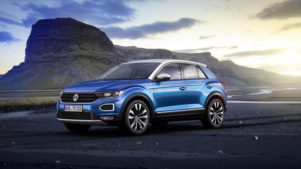 台灣福斯汽車預計將於 2019 年上半年帶來 T-cross、下半年導入T-Roc兩款跨界休旅。圖為 VW T-ROC。 摘自Volkswagen