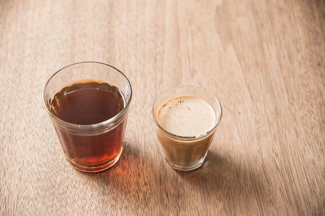 店內不只裝潢簡單,咖啡杯也用最簡單的玻璃容器,即使如此,每杯手沖咖啡仍然不減風味...