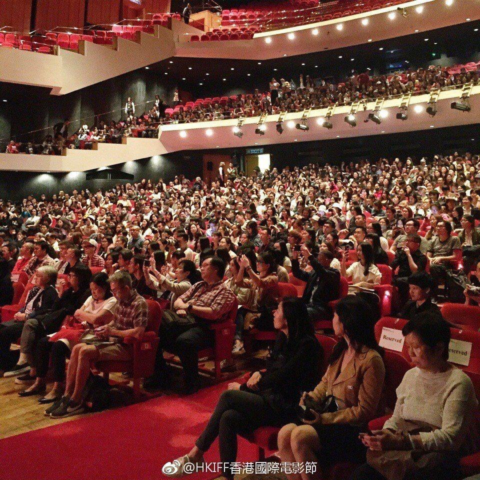林青霞講座吸引廣大民眾入場。圖/摘自香港國際電影節微博
