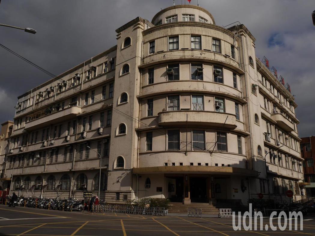 海港大樓歷經二次大戰美軍轟炸,大地震、大水災洗禮,建物依然屹立,而且很有特色。記者吳淑君/攝影