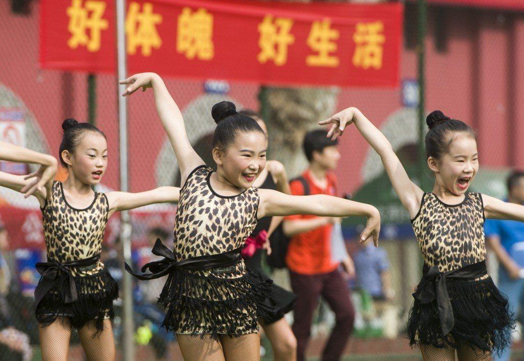 大陸一名9歲女童出現性早熟,醫師認為可能與學拉丁舞有關。照片為示意圖,人物與本文...