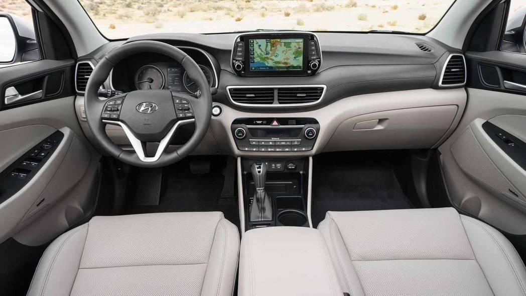 圖為2019年式、小改款Hyundai Tucson 車室。 摘自Hyundai