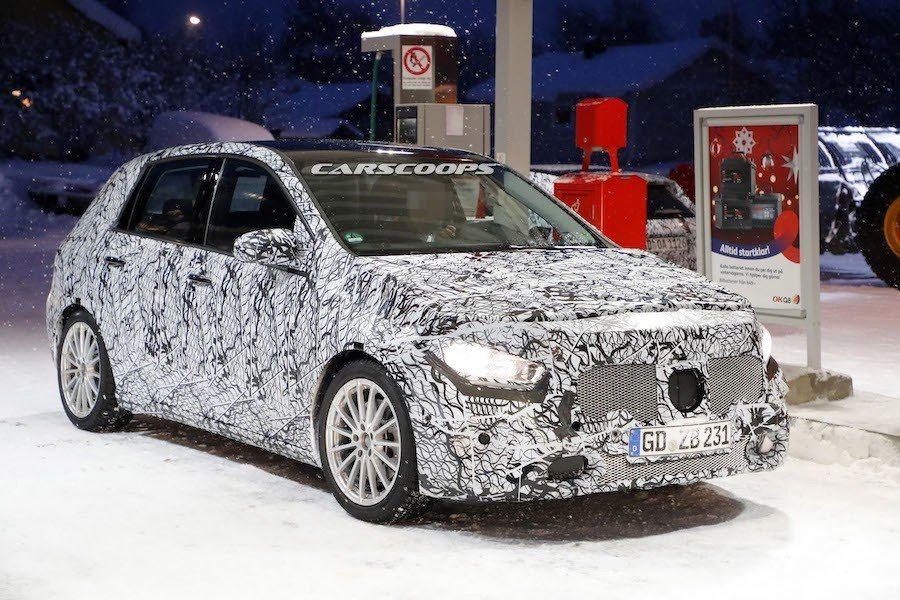 Mercedes-Benz B-Class 偽裝車。 摘自Carscoops.c...