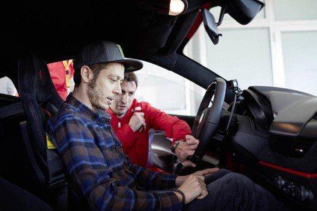 MotoGP猴王Rossi 再次獲邀試駕Ferrari