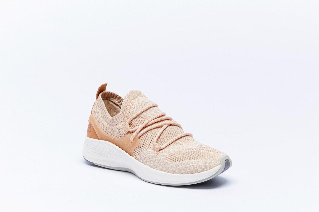 Timberland Flyroam Go針織休閒鞋,約4,900元。圖/Tim...