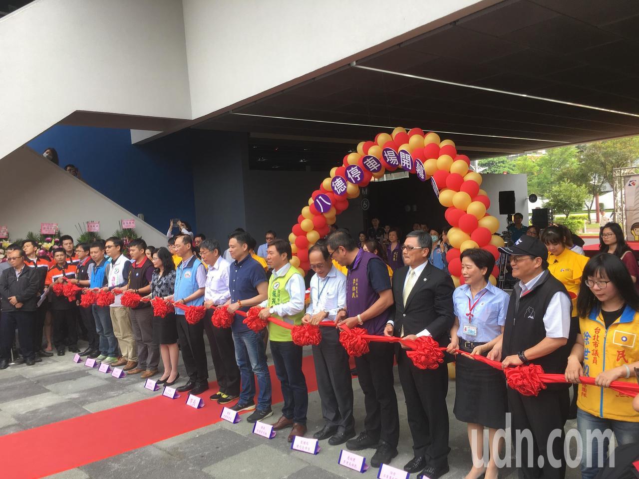 台北市長柯文哲今天出席「八德立體停車場啟用記者會」。記者張世杰/攝影