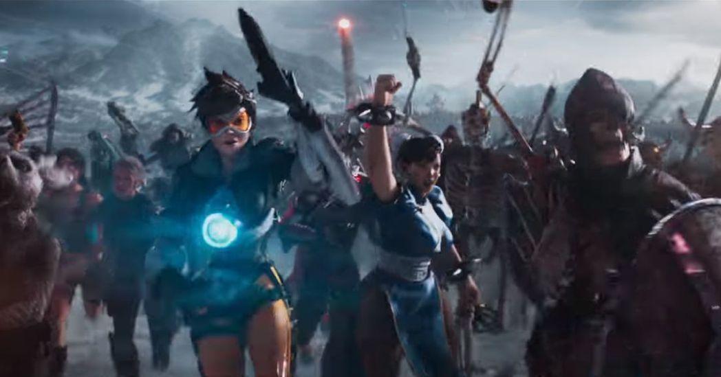 「鬥陣特攻」的閃光和「快打旋風」春麗於「一級玩家」同台。圖/摘自Metro