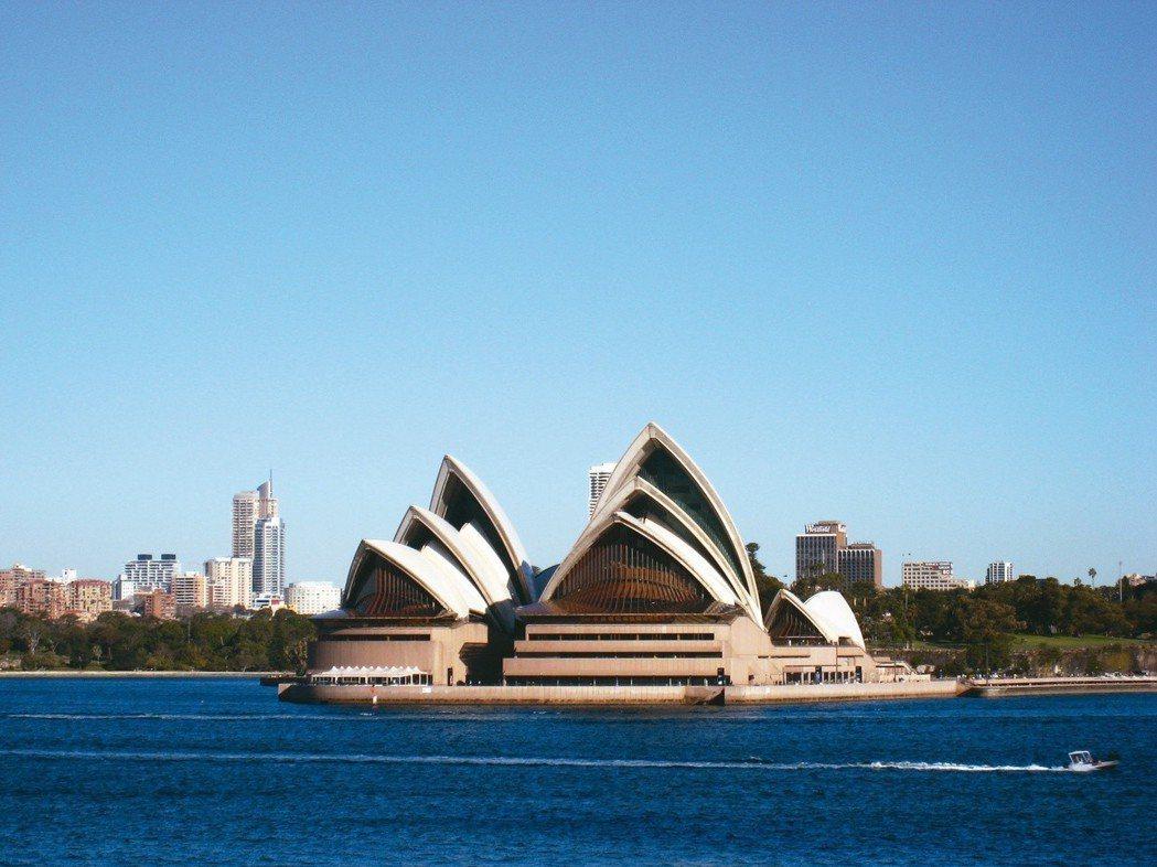 雪梨歌劇院自任何角度觀看皆具姿態。