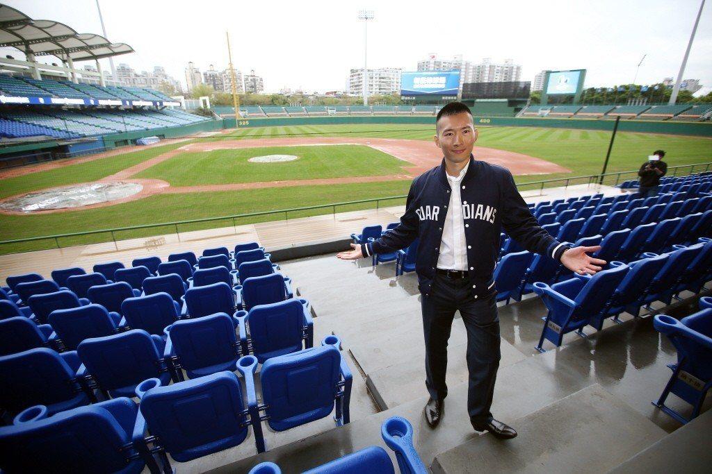 今年中職球季亮點之一為富邦悍將的主場,新莊棒球場在軟硬體設施上的翻新,讓球迷的觀...