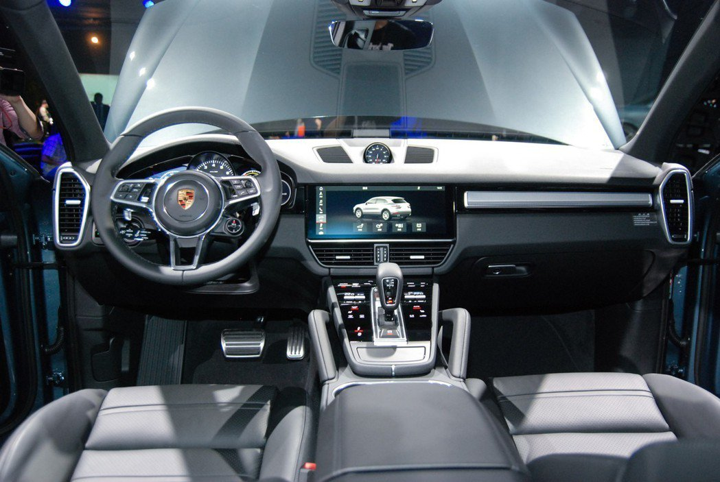 全新 Cayenne採用 Porsche Advanced Cockpit 保時...