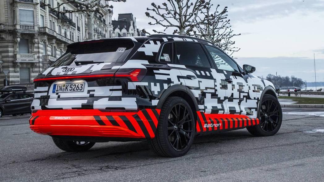 有愈來愈多的車商紛紛投入電動休旅的量產計畫。 摘自Audi