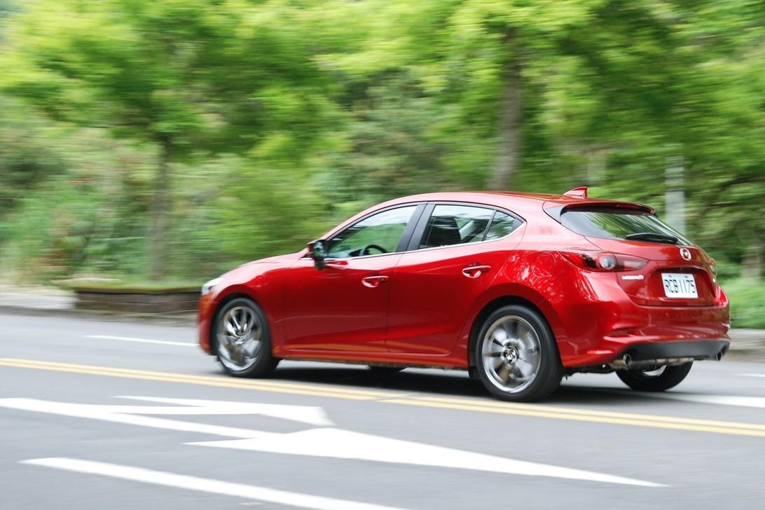 均衡的匠職精神 18年式 Mazda3 五門旗艦型試駕體驗