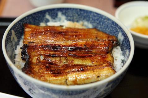 鰻魚飯是日本的「國民食物」之一。 圖/歐新社