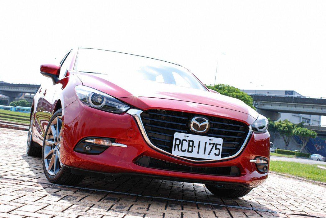 小改款後 Mazda3 外觀的變動幅度不大。 記者林鼎智/攝影