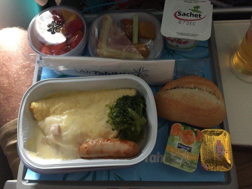 帕皮提~奧克蘭班機經濟艙早餐 (1)圖文來自於:TripPlus