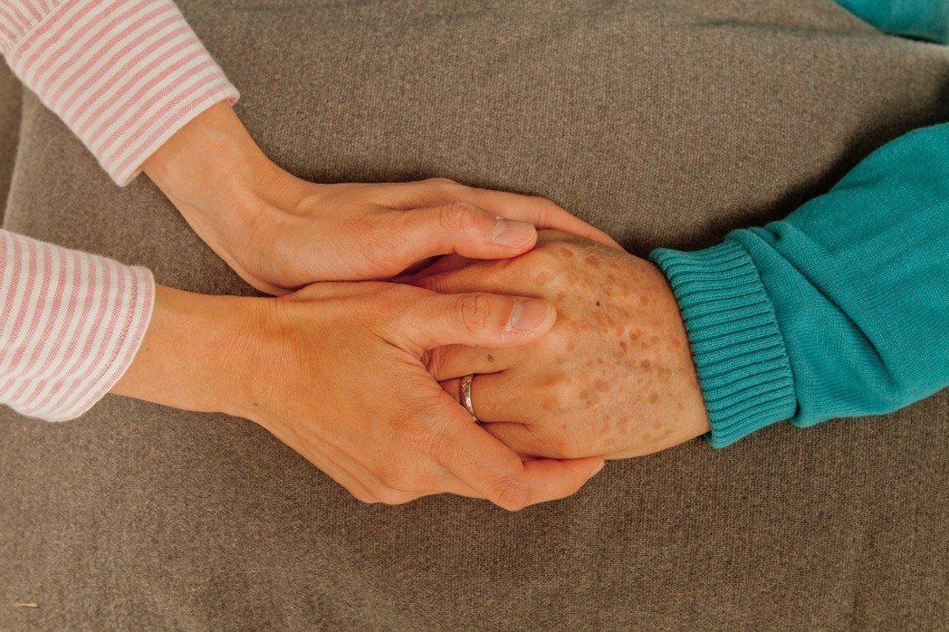 癌症免疫療法納健保給付 為癌友請命附議過門檻