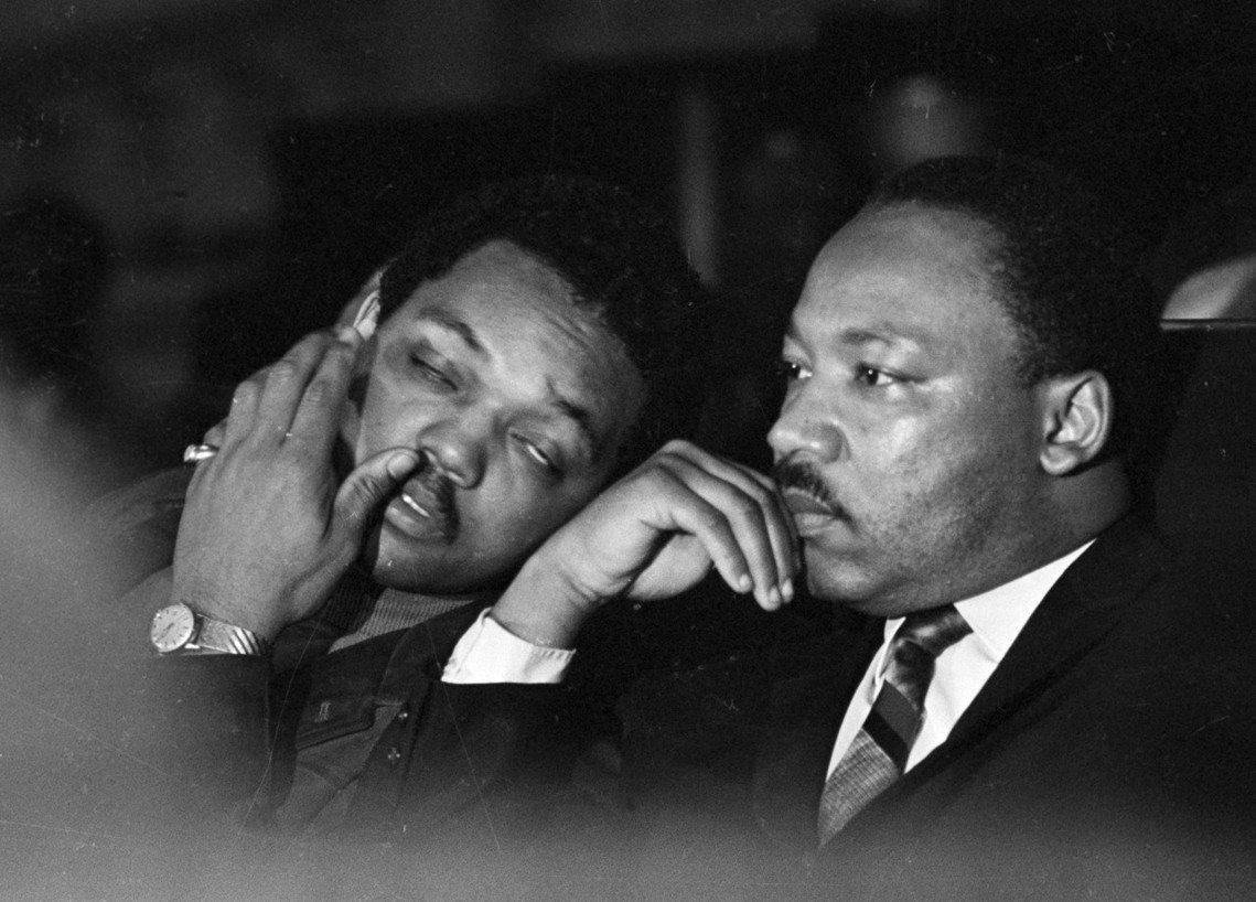 1968年4月4日,馬丁路德.金恩博士(右),在田納西州曼菲斯遇刺。他與民權夥伴...