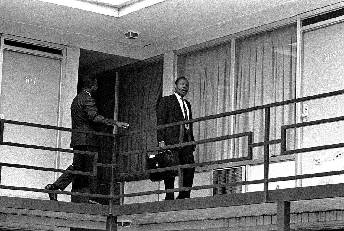 事發前一天,金恩博士來到命運的旅館二樓。 圖/美聯社