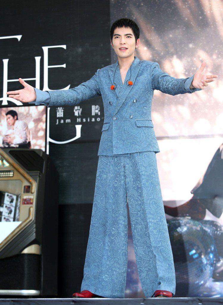 蕭敬騰2014年在西門町宣傳新專輯。圖/記者林澔一攝影