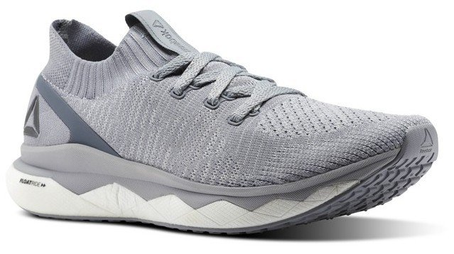 Reebok Floatriede RS女性慢跑鞋,約4,550元。圖/Reeb...