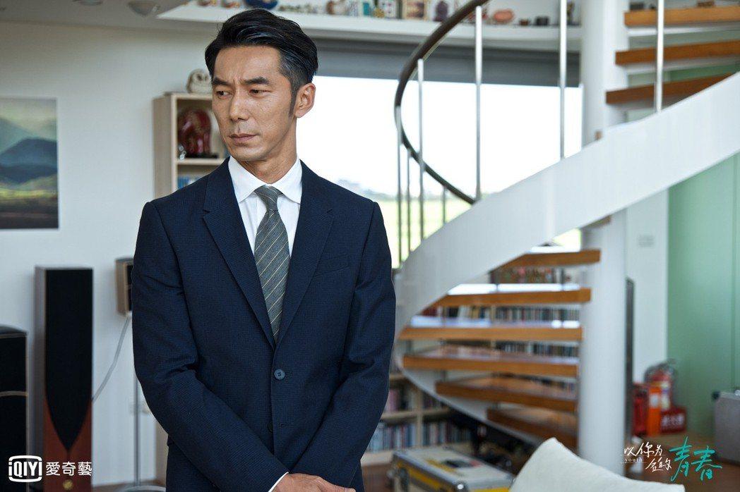 李李仁演出「以你為名的青春」。圖/愛奇藝台灣站提供
