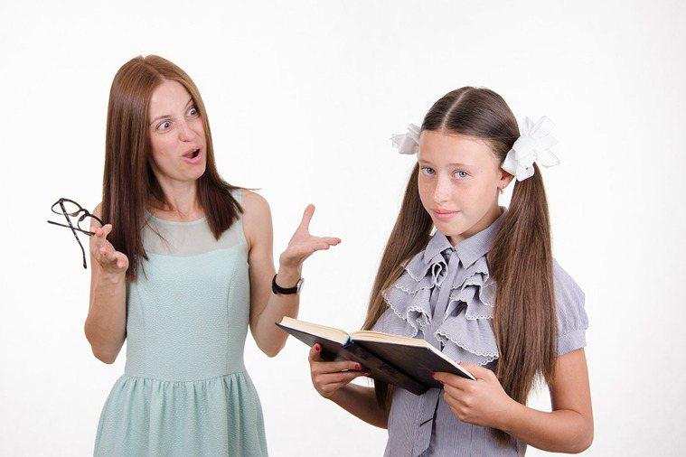休假期間若孩子過度放鬆受到家長責罵,親子未做好溝通,可能造成親子衝突。圖/ing...