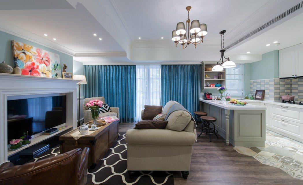 位於桃園市的一處民宅,室內僅15坪、10坪為戶外露臺,原隔成2房格局擁擠,設計師...