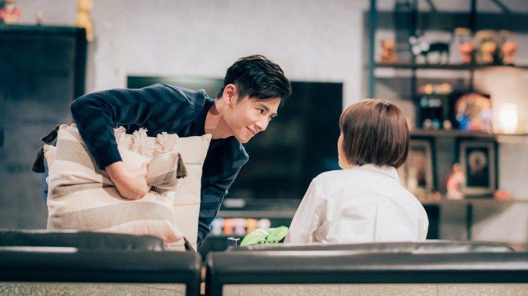 李國毅在戲中常對謝欣穎惡作劇。圖/歐銻銻娛樂提供
