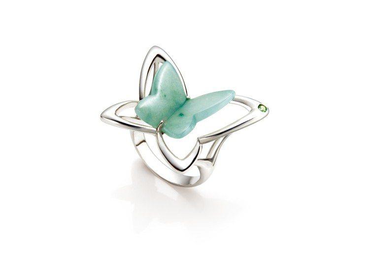綠蝶戒指,白K金鑲嵌翡翠、沙佛萊石,價格店洽。圖/林曉同珠寶