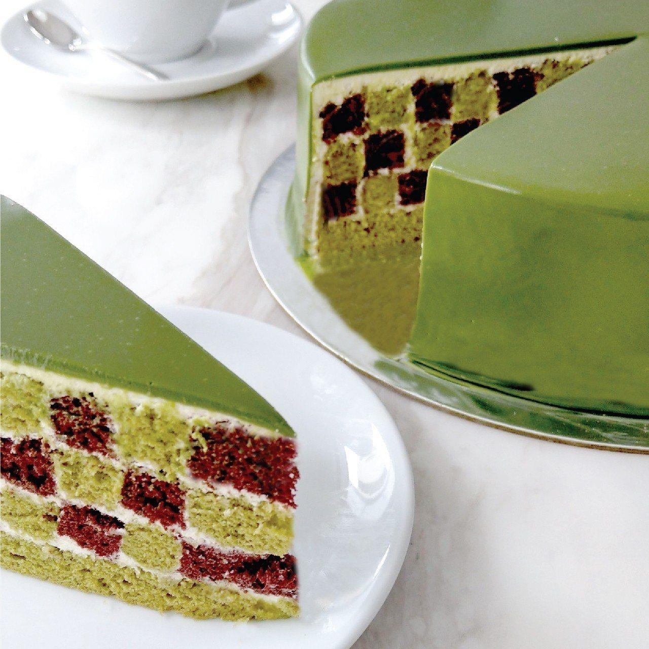 Lady M 抹茶巧克力棋格蛋糕,單片280元、9吋2,800元。圖/Lady ...